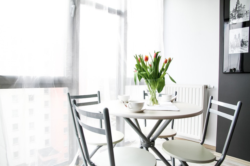 Three Useful Interior Design Tips To Help With Staging Your Home During The Spring